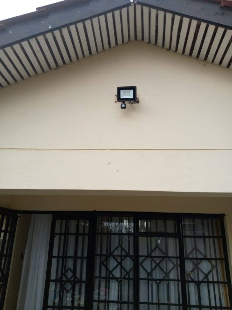 motion sensor floodlight